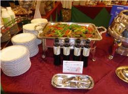 フードショーにおける提供した食材(花どんこ)を使用した料理の紹介(若鶏とどんこの香り炒め)